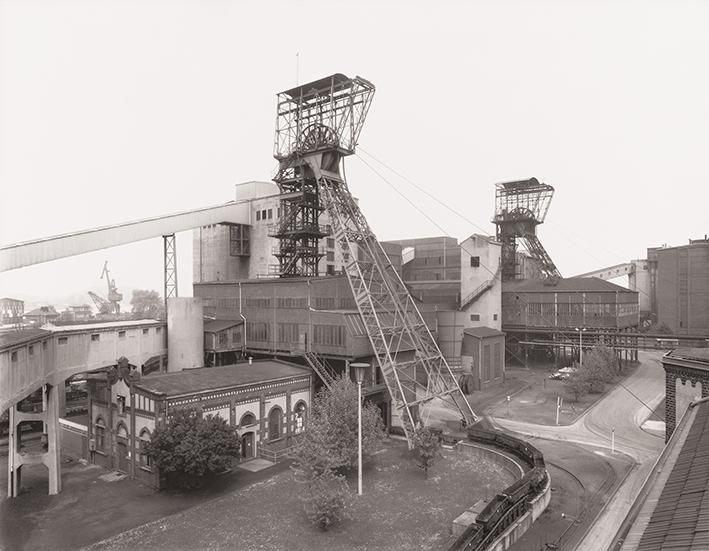 Bernd & Hilla Becher - Bergwerke 3