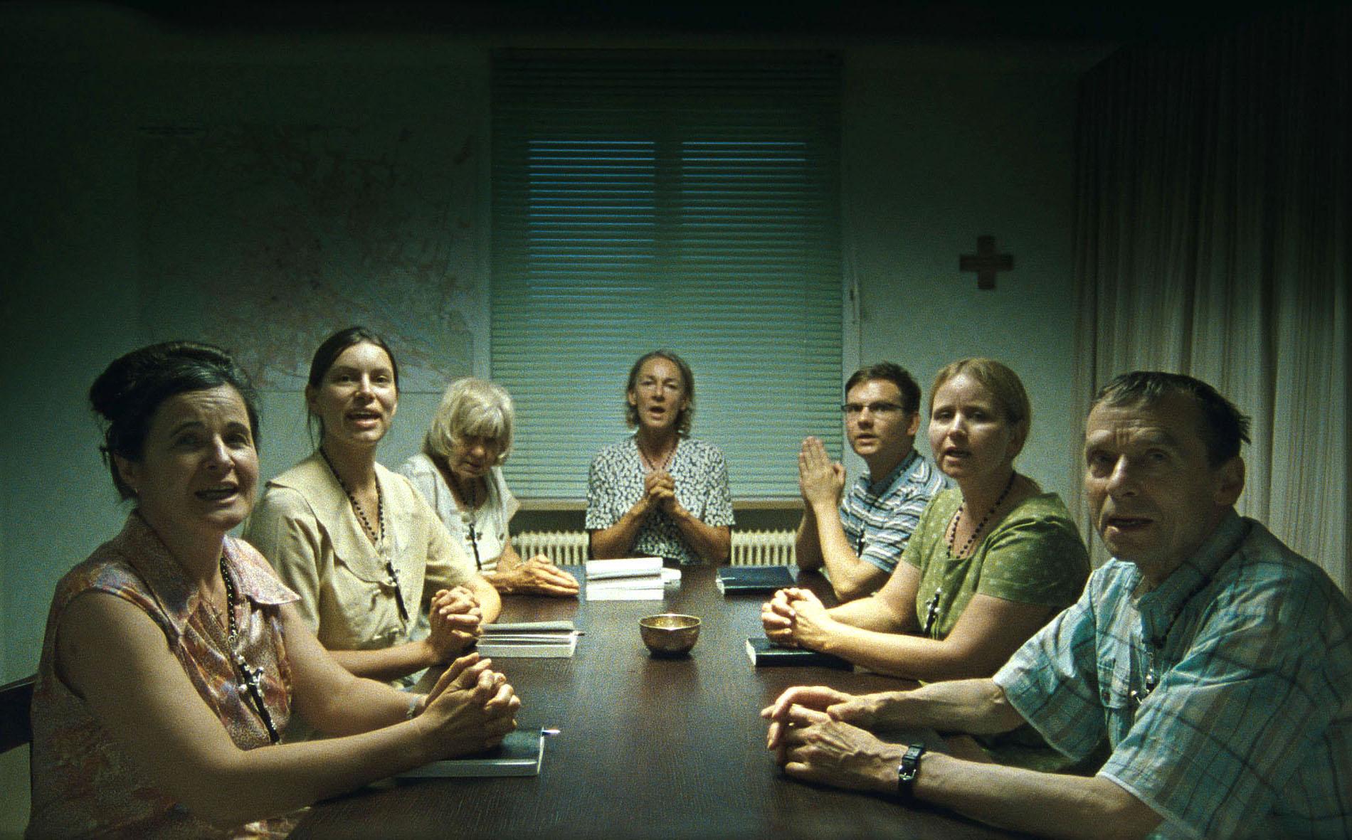 Anna Maria (Maria Hofstätter) und ihre Gebetsgruppe wollen Österreich wieder katholisch machen. © Neue Visionen Filmverleih