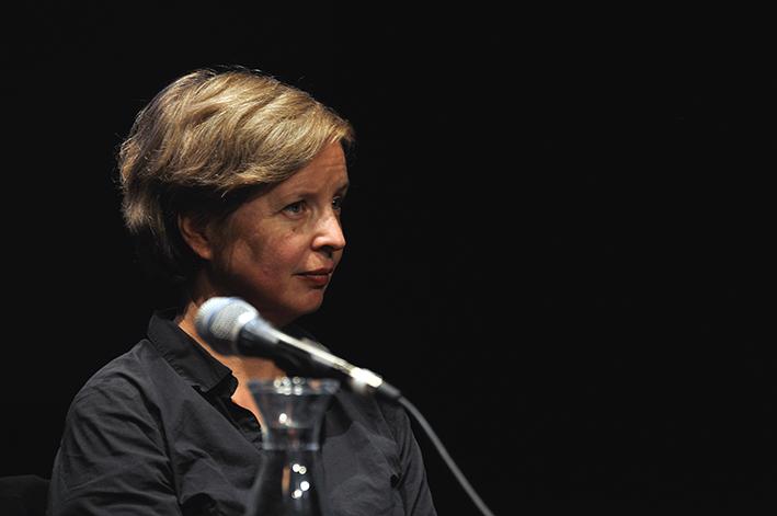 »Man verschenkt so ein unheimlich viel Potential an guter Energie.« Jenny Erpenbeck hat mit »Gehen, ging, gegangen« den Roman zur Flüchtlingskrise geschrieben