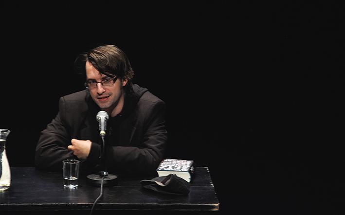 Clemens Setz bei der Vorstellung seines Romans »Die Stunde zwischen Frau und Gitarre« beim ilb 2015