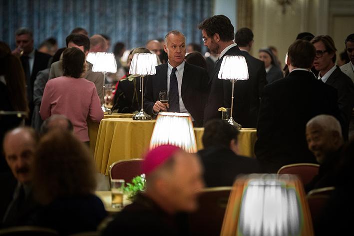 Martin Baron und Walter Robinson beim Jahresempfang der Erzdiözese, gegen die sie gerade gemeinsam ermitteln | Universal Pictures