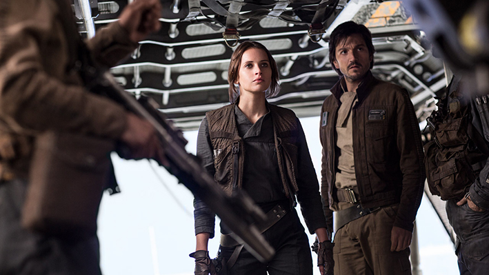 Rogue One: A Star Wars Story (Felicity Jones, Diego Luna) | Ph: Film Frame ©Lucasfilm LFL