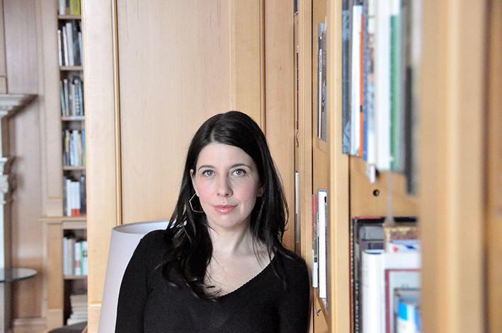 Web-Molly-Antopol-in-der-Bibliothek-der-American-Academy-2
